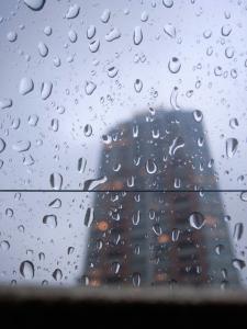 雨と億ション