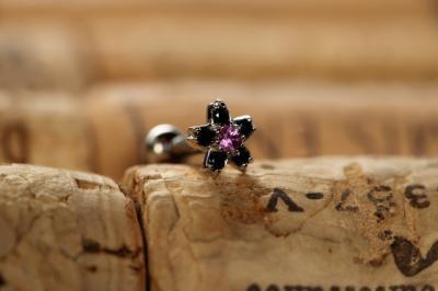 ピンクサファイア × ブラックジルコニア