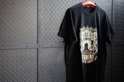 MUSTACHE Tシャツ