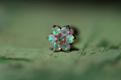 ダイヤモンド × ミルキーオパール