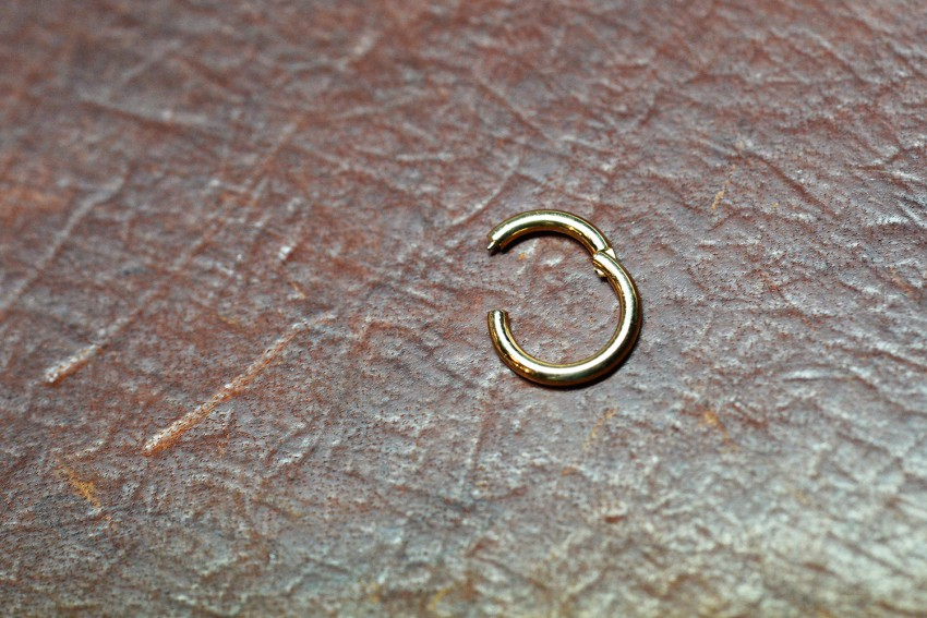 14K YG Snap Ring with Hinge Closure