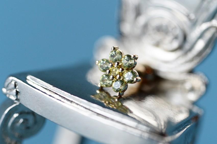 カナリーイエローダイヤモンド × ペリドット